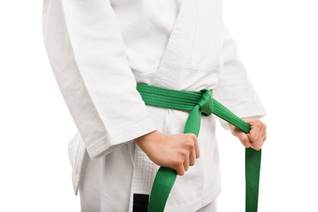 how to tie a martial arts belt